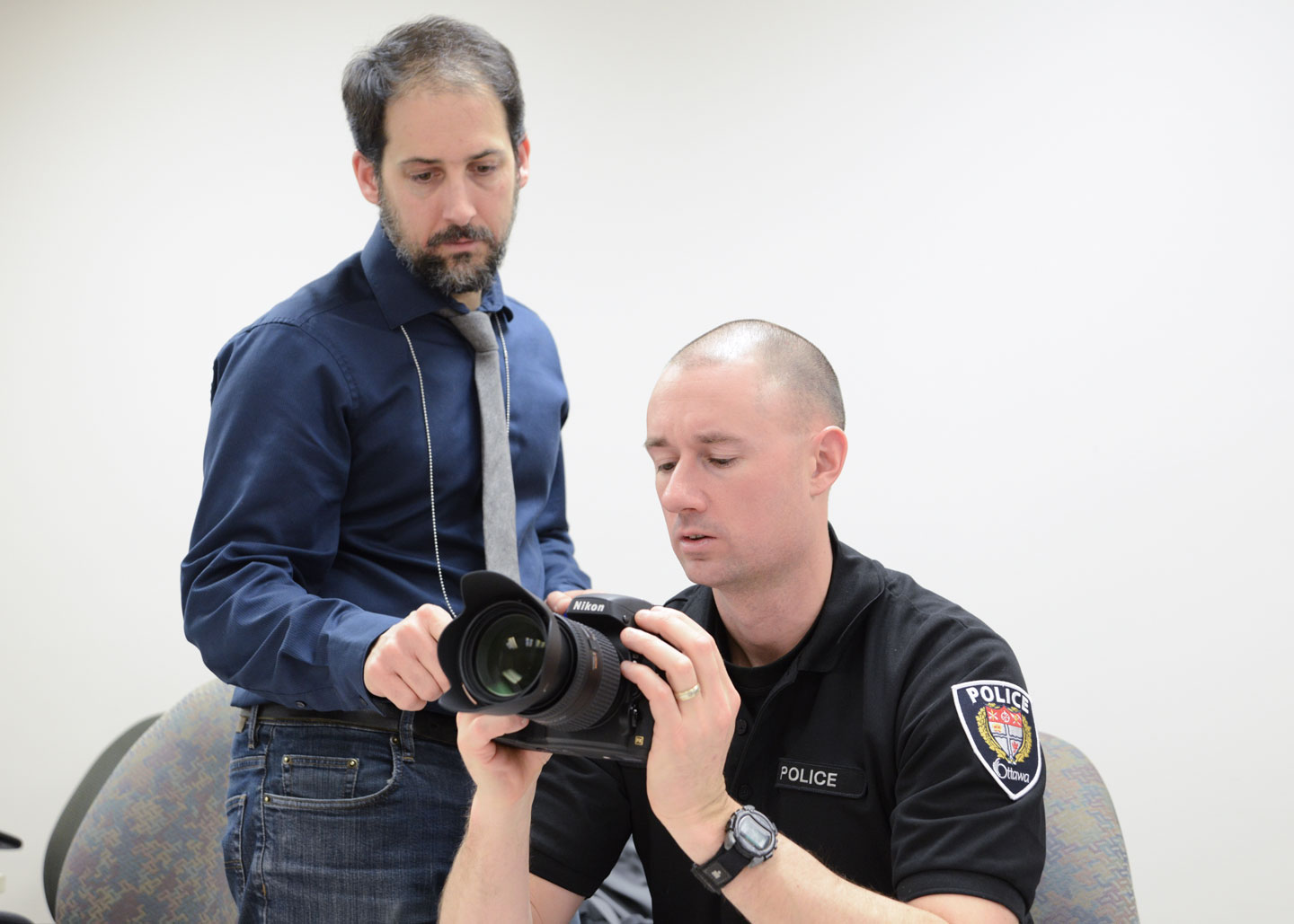 Teaching an officer how to take photographic evidence